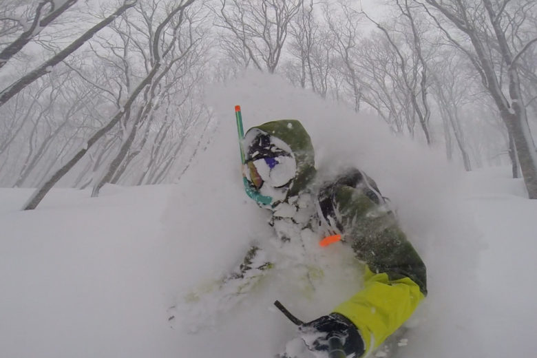 Faceshots in deep powder with snorkel - Hakuba Cortina, Japan