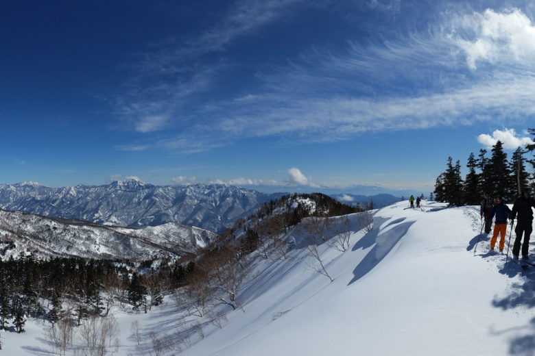 Ski-touring and splitboarding week with certified IFMGA mountain guide in Japan – Tsugaike, Hakuba Valley, Japan